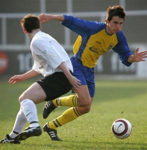 كرة قدم = لقطة سليم عاقل - رجل - لاعب